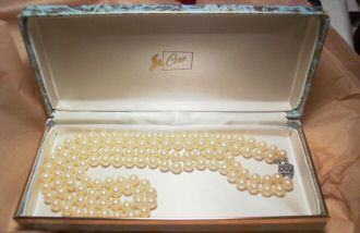 Double Strand Coro Pearls, Original Box